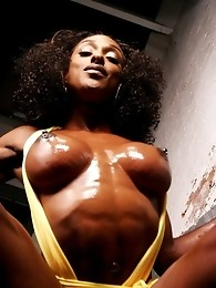 Amazing Ebony Hottie Posing Her Hot Oiled Cock