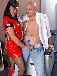 Ebony doctor Sheeba having dirty fun with her patient